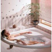 Акриловая ванна Gentiana 140x140 в интерьере